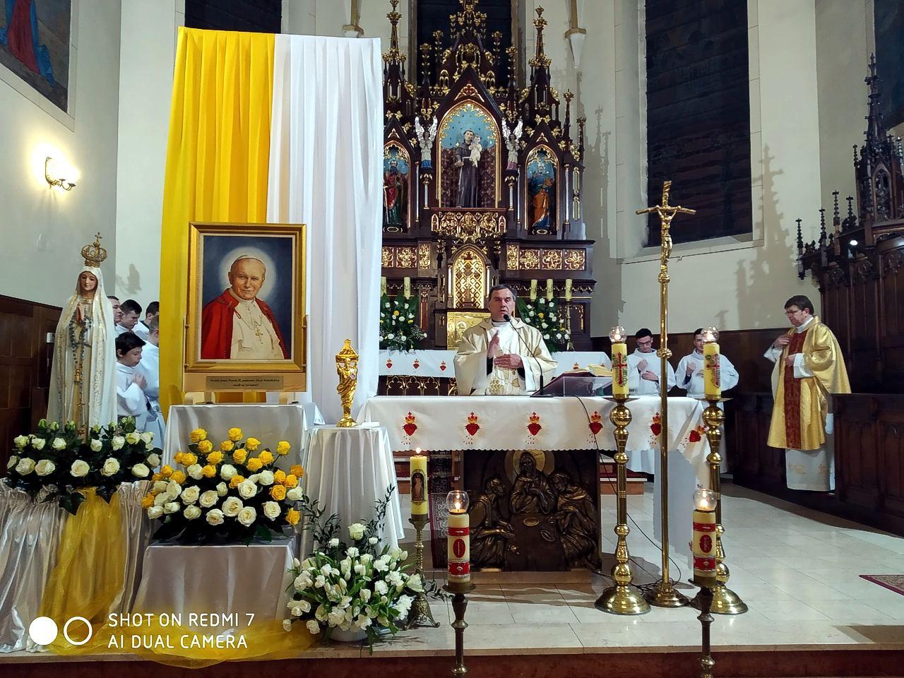 Nawiedzenie relikwii Św. Jana Pawła II w Nagoszynie