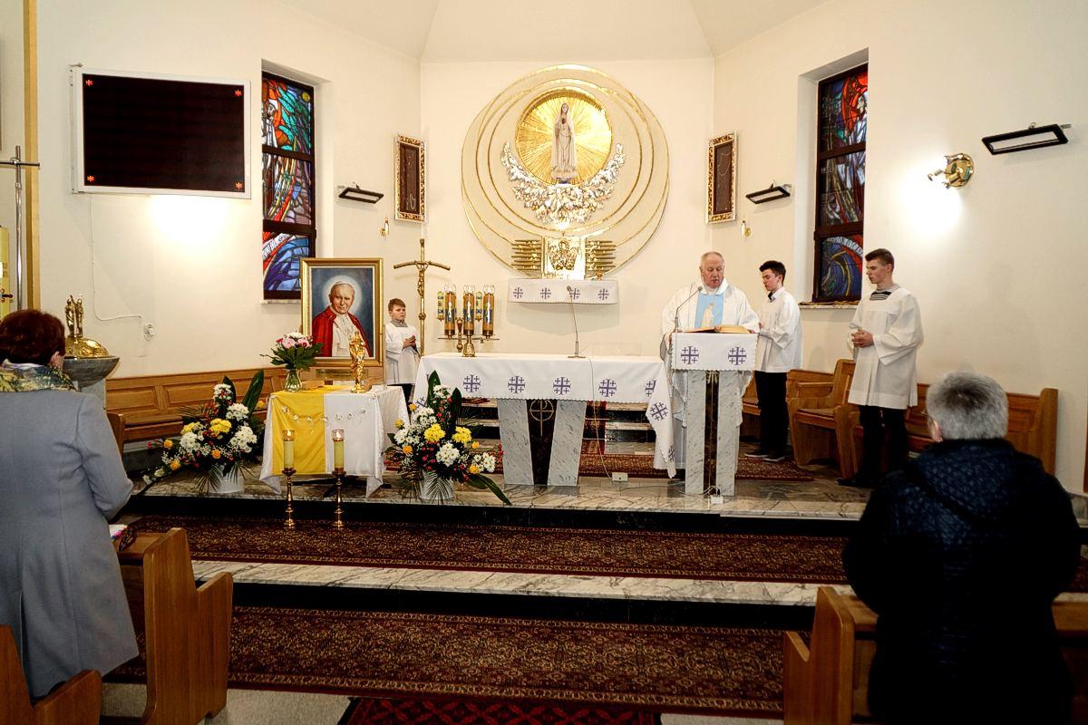 Obraz i relikwie Św. Jana Pawła II w Paszczynie