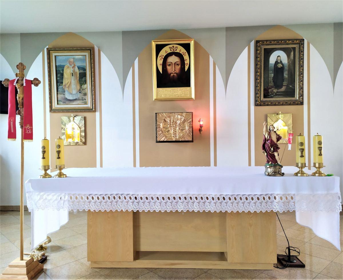 POAK Stary Sącz przy Ołtarzu Papieskim.