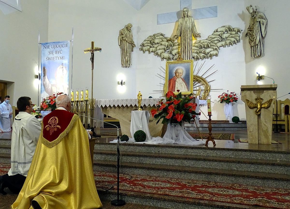 Relikwie JPII u Dobrego Pasterza w Tarnowie