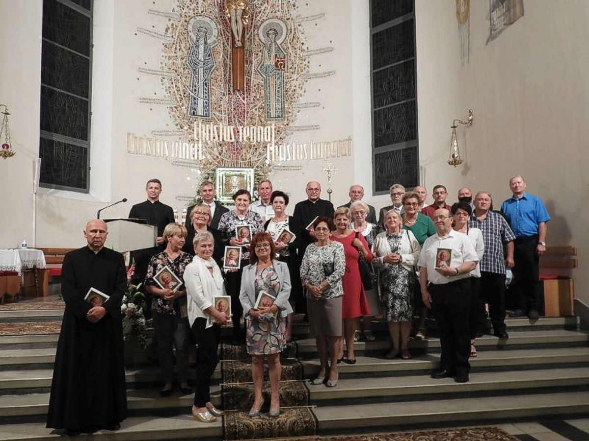 Dekanat Dąbrowski świętuje 25-lecie Akcji Katolickiej