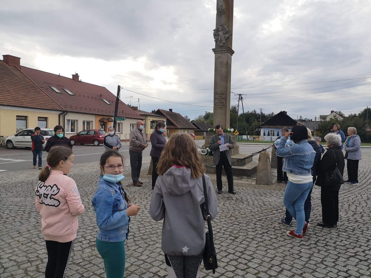 Koronka na ulicach miast i wsi POAK Gręboszów